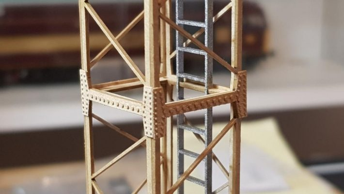 O Gauge Tower Yard Light - Railway Laser Lines
